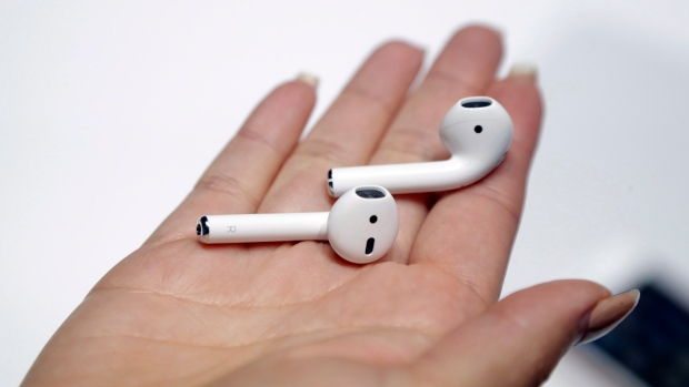 Apple Said To Be Working On Over-Ear Noise-Canceling Headphones