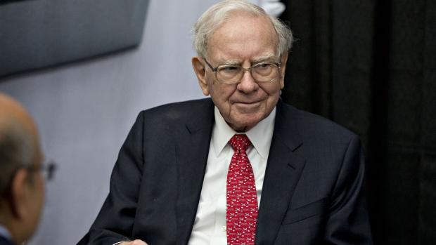 Warren Buffett doesn't think he should stop doing business with gun owners