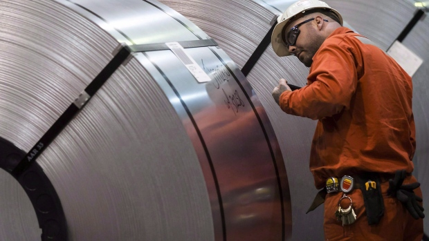 Canada exports hit record, U.S. tariffs hurt steel and aluminum