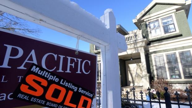 Pattie Lovett-Reid: Delinquencies rise amid 'pockets of financial stre... image