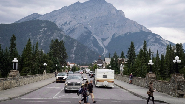 Feds extend wage subsidy to end of August