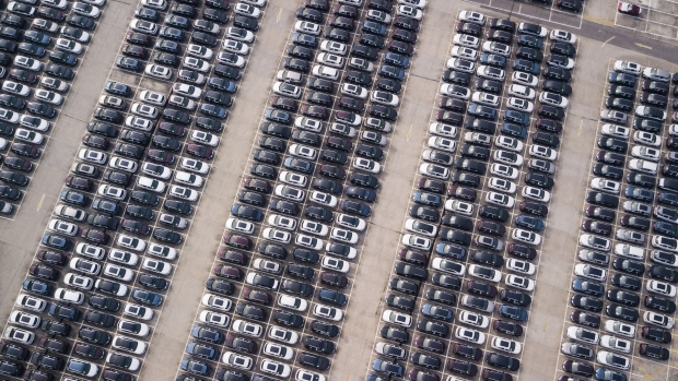 China's Car Sales Fall Further