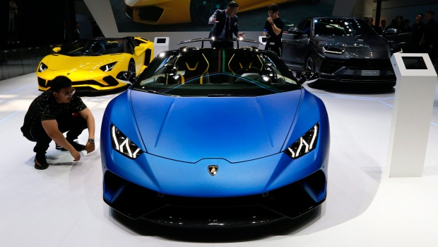 Lamborghini S Huracan Performante Spyder A Different Kind Of
