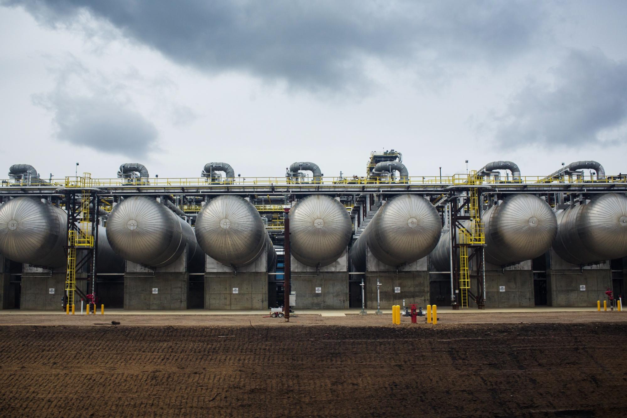 Alberta's oil cut plan boosts crude prices, stocks - BNN