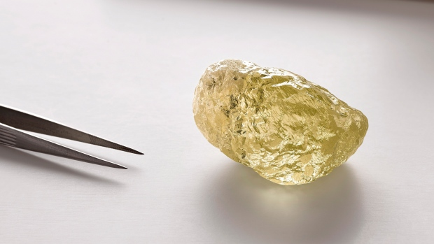 Giant 552-carat yellow diamond unearthed in Canada's arctic