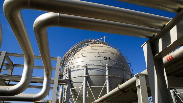 Storage sphere tanks for liquefied natural gas.