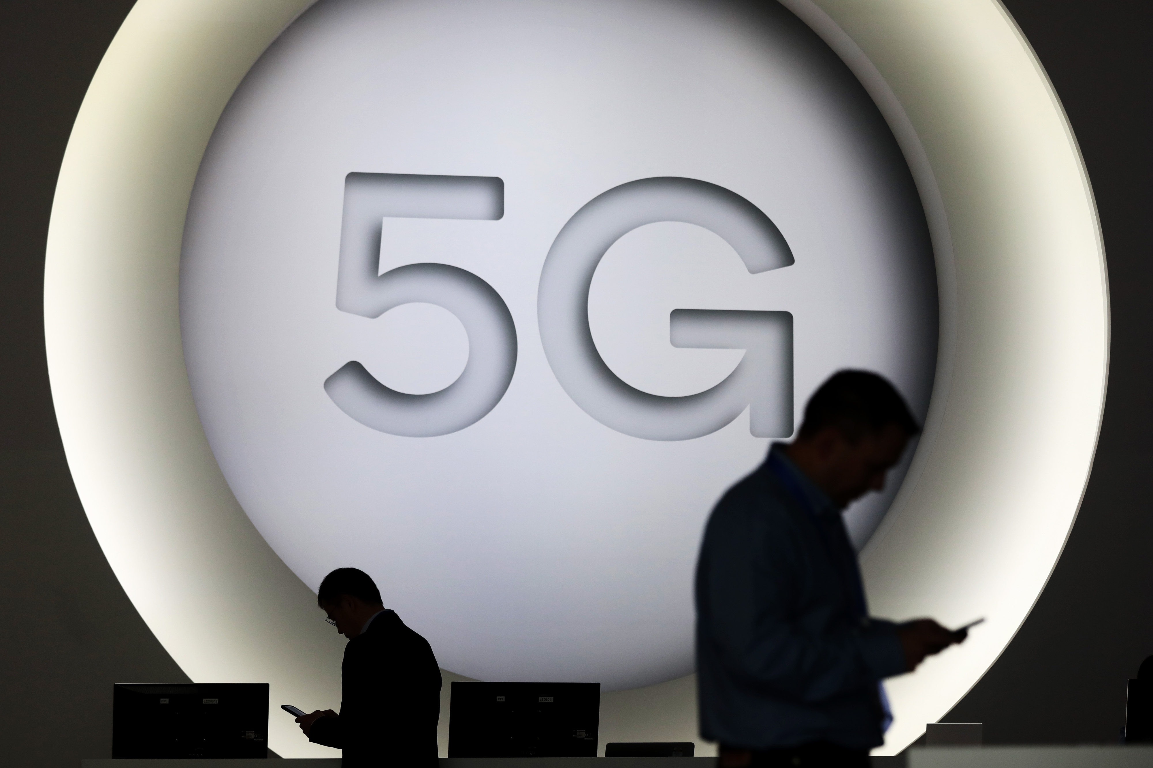 Telus warns of 'material' risk if Canada bars Huawei from 5G