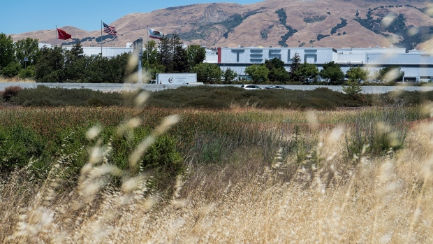 Tesla Inc. manufacturing facility in Fremont. Photographer: David Paul Morris/Bloomberg