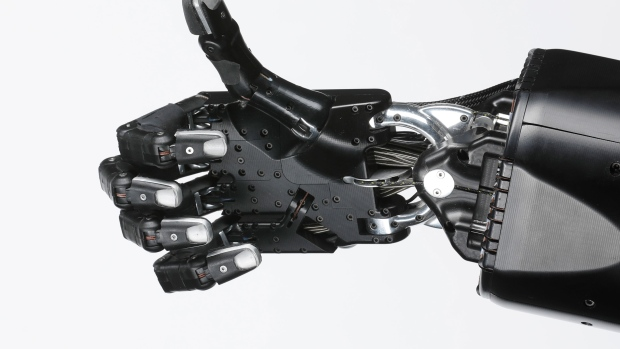 Facebook's Robotic Arms And Legs Are Learning Faster Than Ever - BNN