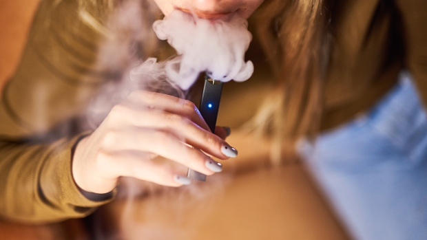 Juul Is Pressed by U S  House Panel in Teen Vaping Investigation