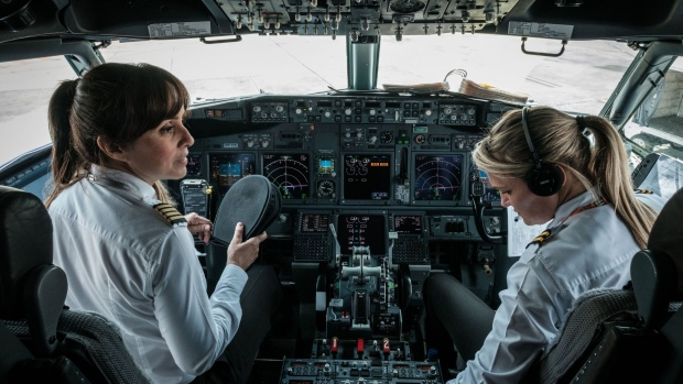 Aeroflot, Emirates Named as Having Biggest Pilot Gender Gap
