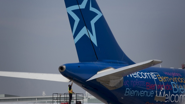 COVID-19: Air Transat to 'gradually' suspend flights, temporarily lay off staff
