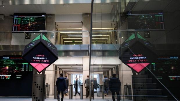 Hurdles Mount for Hong Kong Exchange's $36 6 Billion LSE Bid