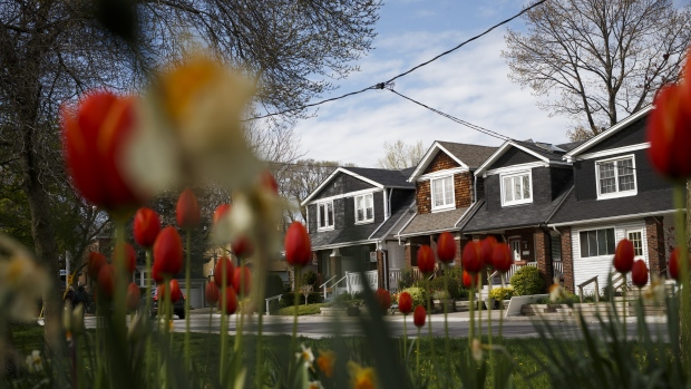 Don't-pay-til-you-die reverse mortgages are booming in Canada - BNN Bloomberg