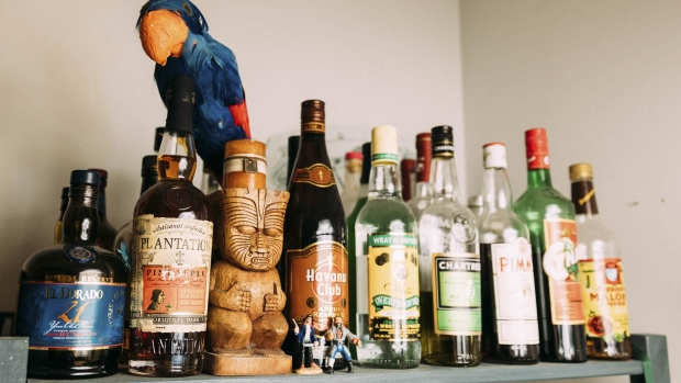 Open bars are just asking for trouble at Thanksgiving. Photographer: Zack DeZon/Bloomberg
