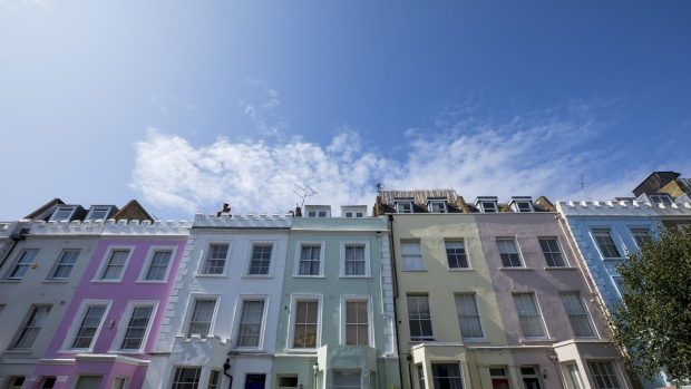 Residential properties stand in the Camden district of London, U.K. on Monday, Aug. 19, 2016. Asking prices for London homes registered their first annual increase since 2017 this month, as the Brexit-battered market started to show signs of life.