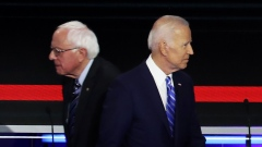 Former Vice President Joe Biden, 2020 Democratic presidential candidate, speaks with an attendee during a campaign event in Columbus, Ohio, U.S., on Tuesday, March 10, 2020. Bernie Sanders and Biden have canceled planned rallies in Cleveland, Ohio Tuesday amid concerns about coronavirus spreading at public events and suggested the campaigns might suspend large gatherings. Photographer: Matthew Hatcher/Bloomberg