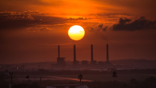 The sun sets over el palito oil refinery in puerto cabello venezuela on monday aug 24 2015