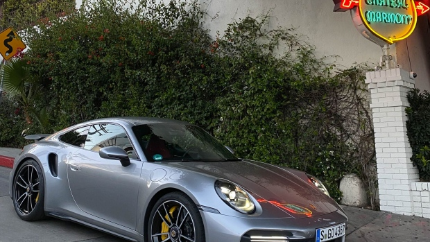 The 2021 Porsche 911 Turbo S Sets A New Benchmark For Sports Cars Bnn Bloomberg