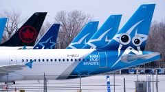 Air Transat and an Air Canada aircrafts