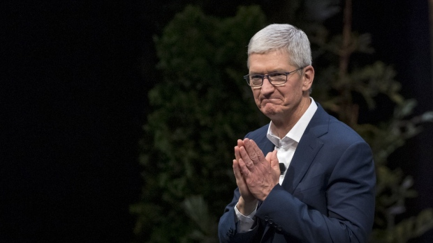 Apple CEO is now a billionaire