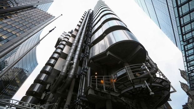 The Lloyd's of London Ltd. building stands on Lime Street in London, U.K., on Wednesday, Jan. 4, 2017. BGC Partners Inc. has agreed to buy Besso Insurance Group, a Lloyd's of London broker, to expand into insurance brokerage. Photographer: Chris Ratcliffe/Bloomberg