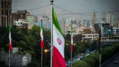 Iranian national flags fly near a major highway through Tehran, Iran, on Tuesday, Sept. 17. 2019. Iranian Foreign Minister Mohammad Javad Zarif refused to rule out military conflict in the Middle East after the U.S. sent more troops and weapons to Saudi Arabia in response to an attack on oil fields the U.S. has blamed on the Islamic Republic. Photographer: Ali Mohammadi/Bloomberg