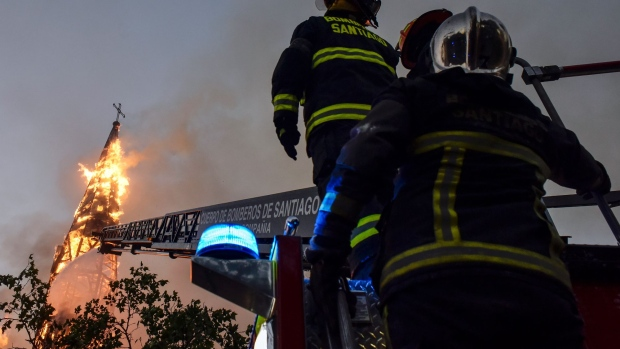 Archbishop condemns arson attacks that destroyed Catholic churches in Chile