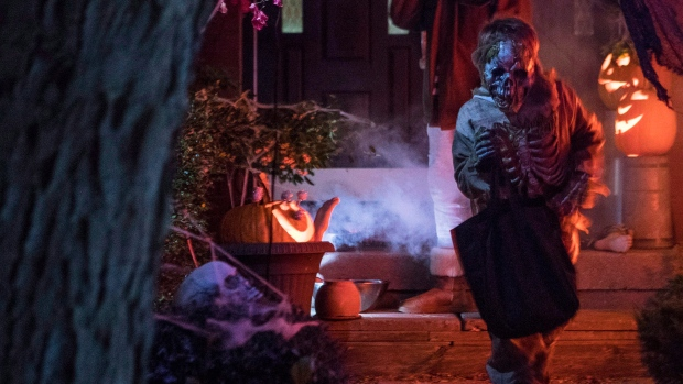 Ontario reports 704 new cases of COVID-19 and issues Halloween warning
