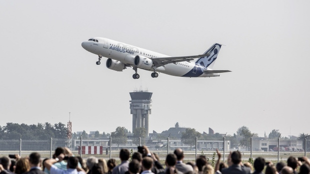 Airbus A320neo Photographer: Balint Porneczi/Bloomberg