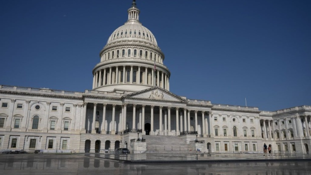Congress to vote on $900B COVID-19 bill, including stimulus payments