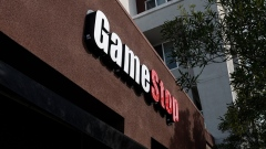 Signage on a GameStop store in Emeryville, California, U.S., on Wednesday, Jan. 27, 2021. GameStop Corp.'s breathtaking ascent showed no sign of slowing Wednesday, with bullish day traders keeping the upper hand over short sellers who started to capitulate. Photographer: David Paul Morris/Bloomberg