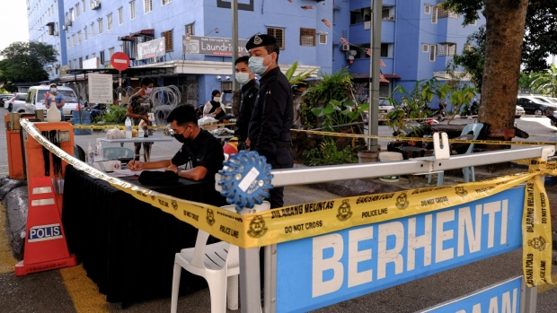 BC-Malaysia-to-Ease-More-Virus-Curbs-as-Pandemic-Fatigue-Worsens