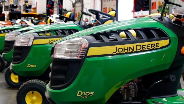 Deere posts drop in Q3 profit but lifts FY guidance