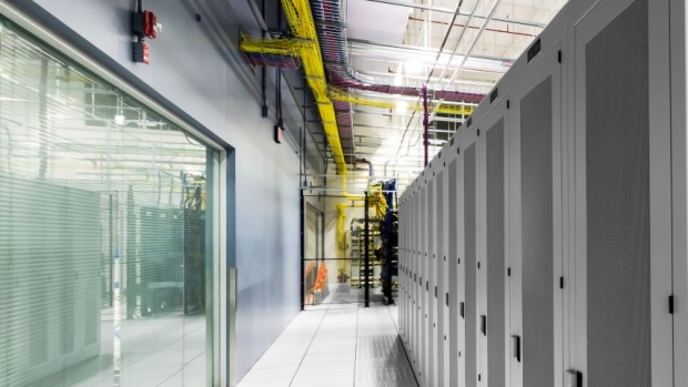 BCE buys rest of Q9 Networks for CAD 675 mln