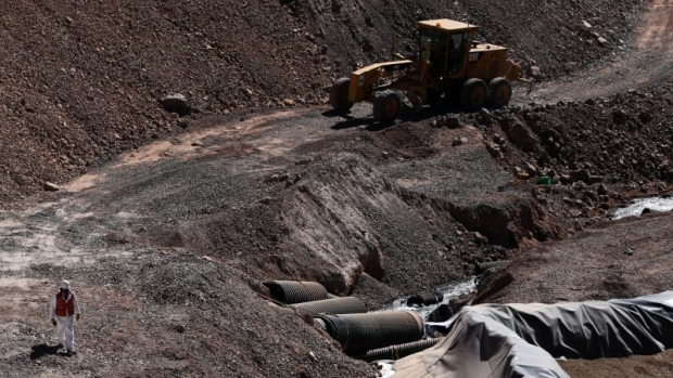 Barrick Gold Faces Sanctions for Cyanide Spills in Argentina