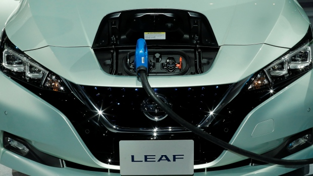 Nissan Leaf Arrives With 150 Mile Range, $30k Price Tag