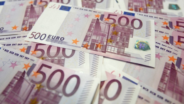 Euro Hits 6 Day High As Us Yields Fall New Zealand Dollar Tanks