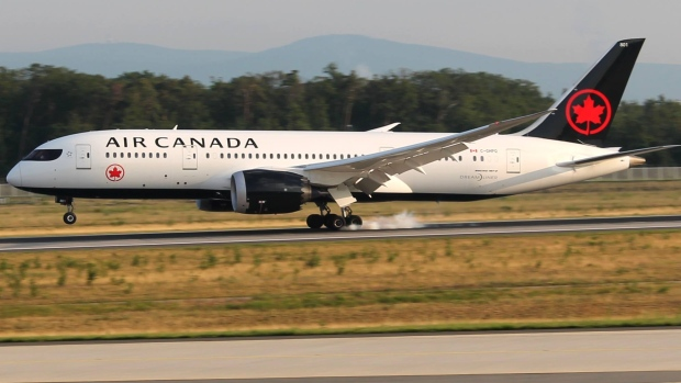 An Air Canada Boeing 787 Dreamliner lands at Frankfurt Airport