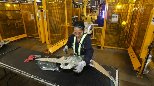 Canada's trade deficit widened to $2.8B in May ahead of tariffs